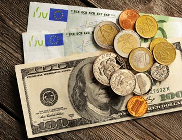 Papiergeld und Münzen